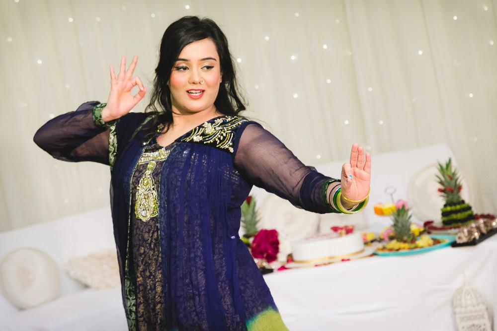 Indian Bride Mehndi Dance