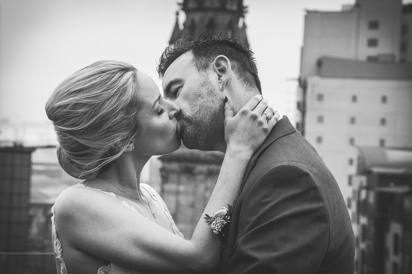 Merchant Hotel Wedding, kiss