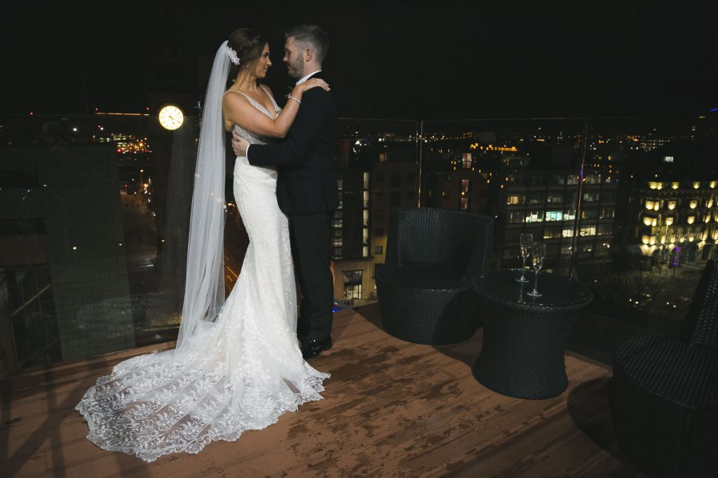 Merchant HoMerchant Hotel rooftop Bride and Groomtel Bride and Groom